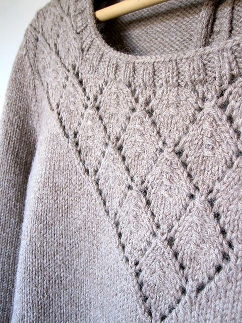 Ravelry: FlavieB\'s Pull presque Sessún | Knits & yarny things ...