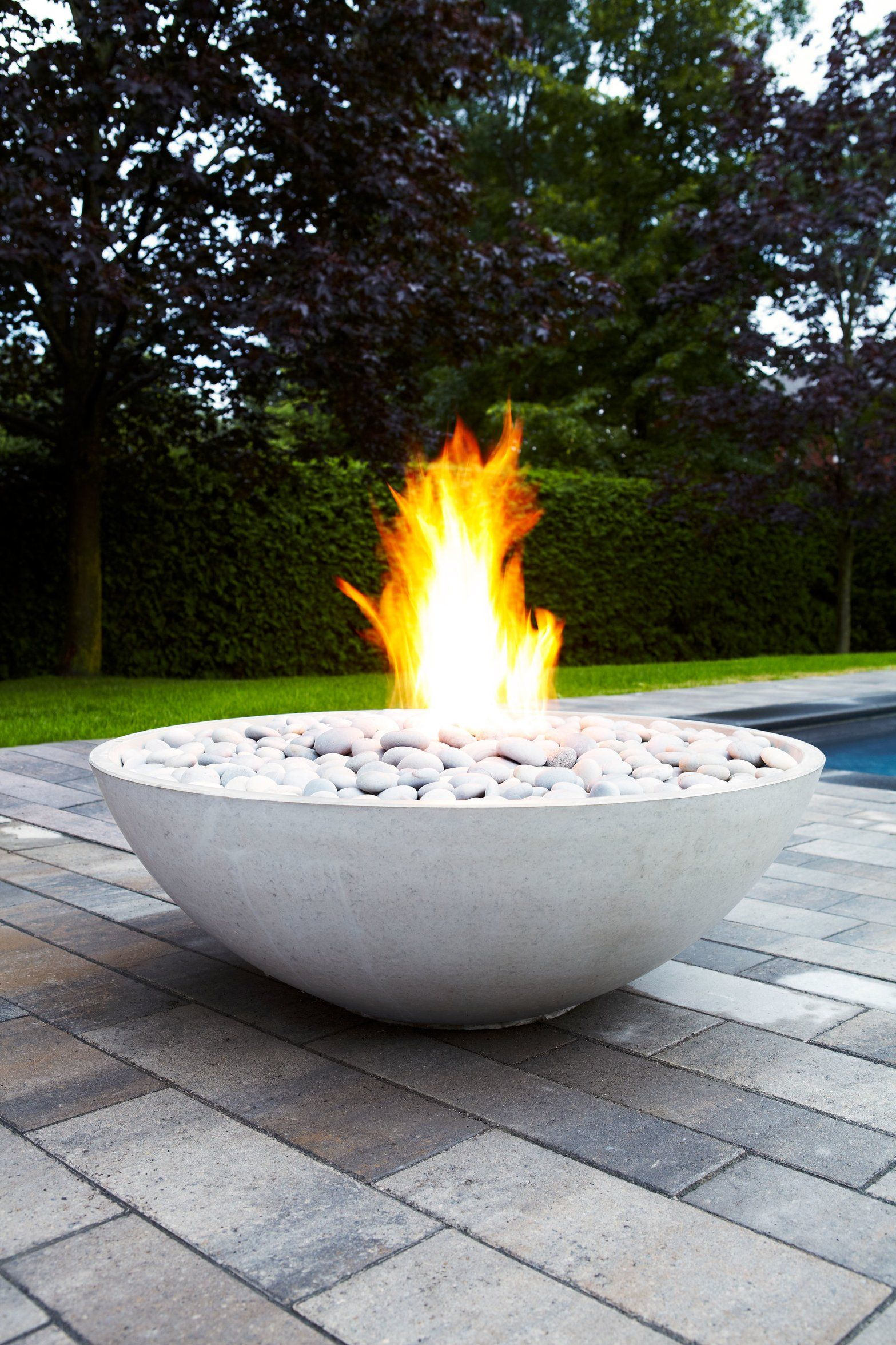 Get The Love Island Villa Look With A Gas Fire Pit 10th June 2019 Latest News Garden Fire Pit Fire Pit Gas Firepit Modern outdoor fire pit electric