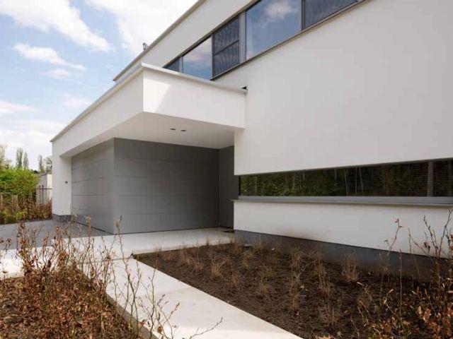 Moderne woning nieuwbouw witte gevel architect kathleen nuyens nieuwbouw - Moderne huis gevel ...