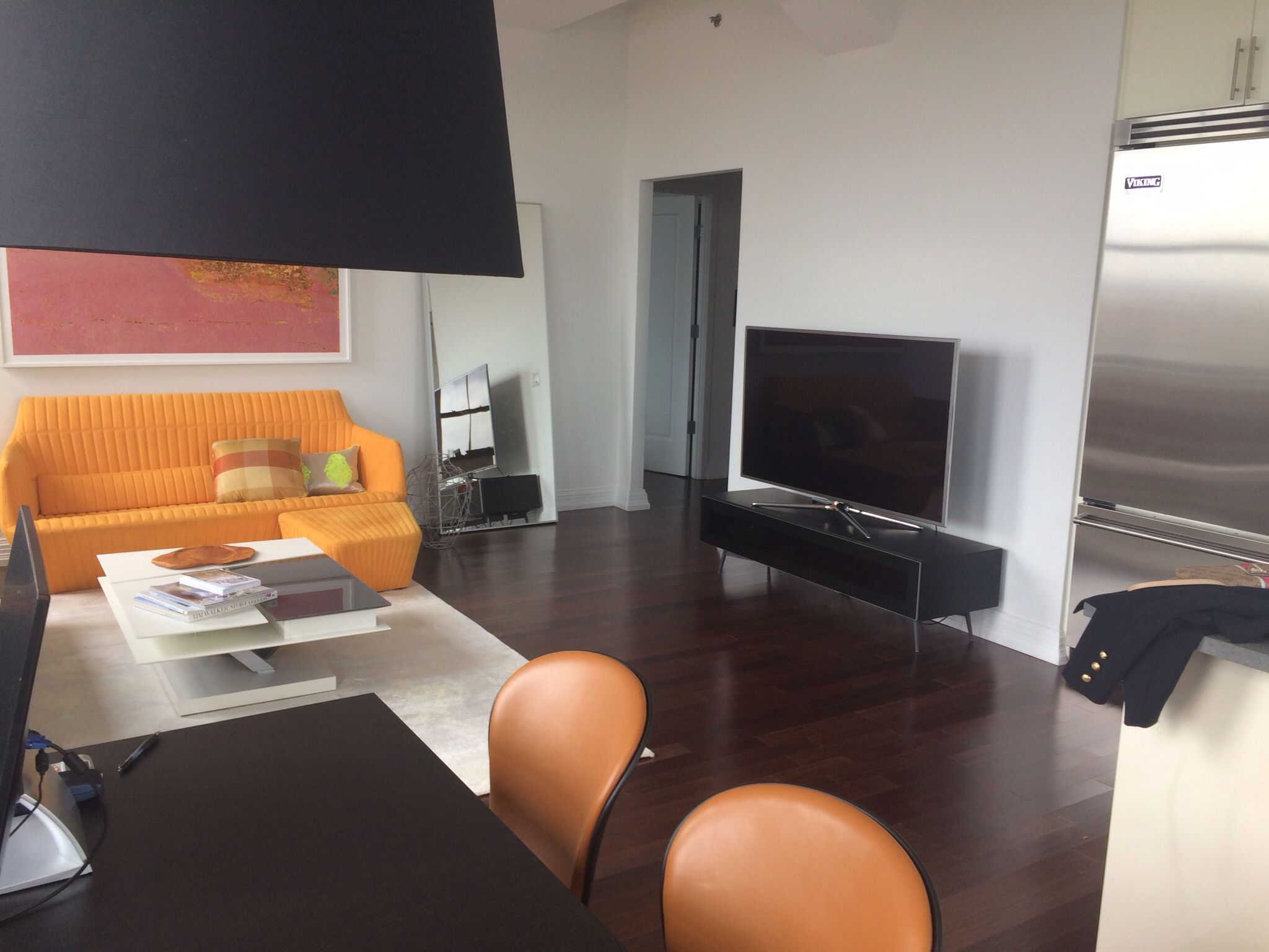 Building A Room Setting Around An Existing Yellow Sofa Boconcept Adelaide Chairs In Detail And Lugano Media Unit Esstisch Tisch
