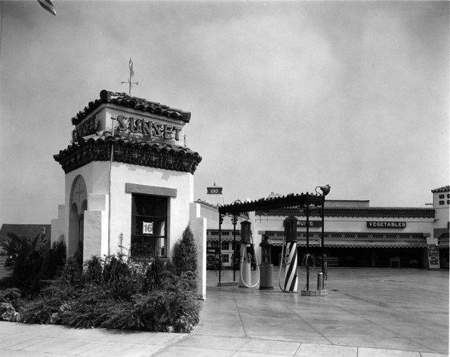 sunset_clock_market_gas_station_ca1929