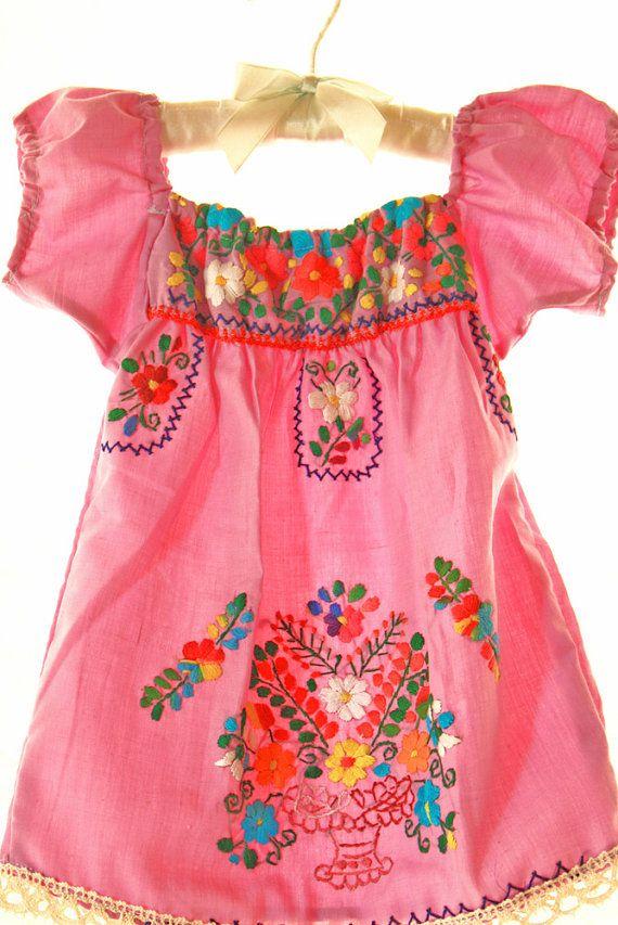 6b98398a4 Bebé Coronado mexicano vestido rosa
