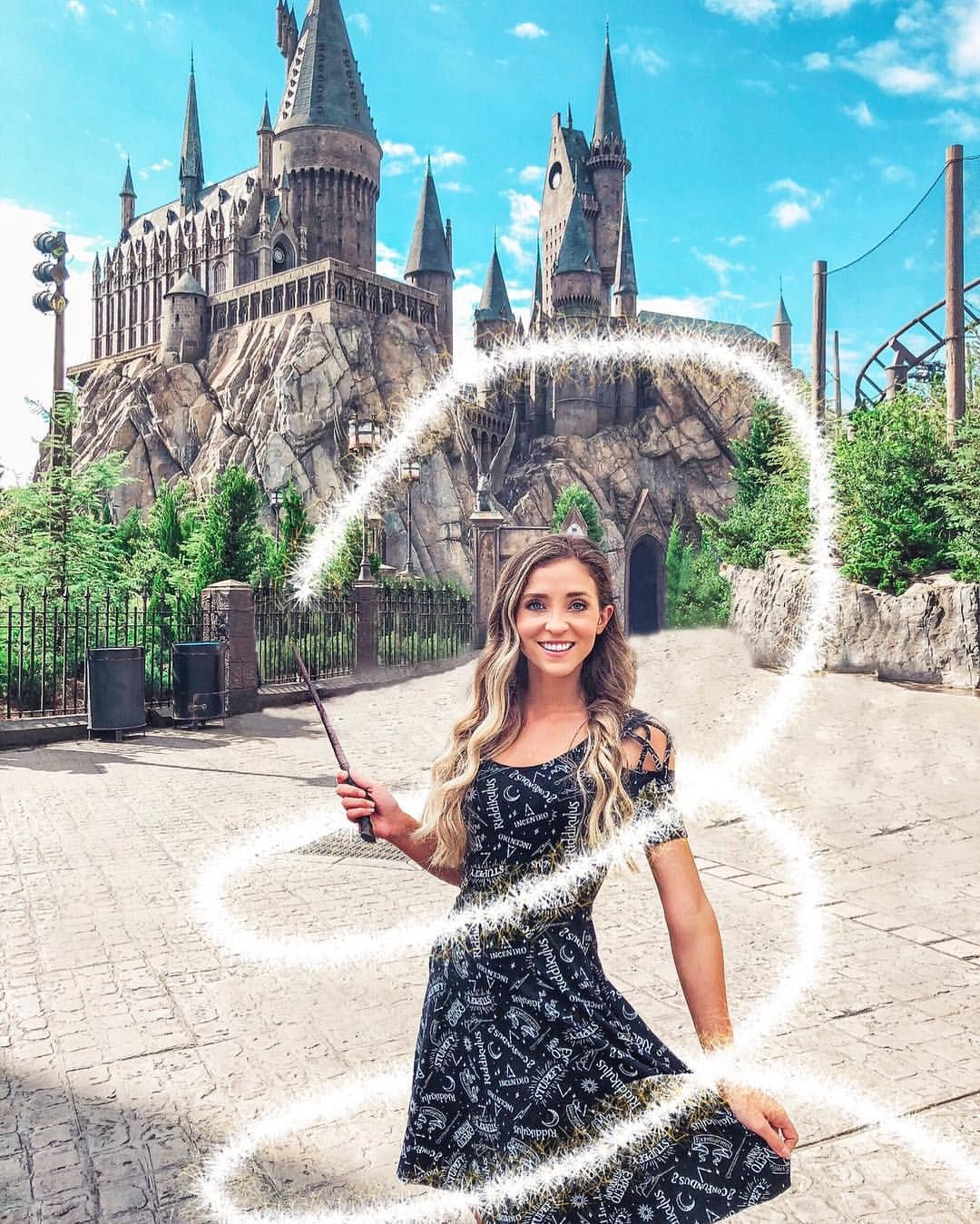 I M Chelsey And You Re Watching The Wizard Channel When Your Love For Harry Potter Disney Harry Potter Disney Harry Potter Outfits Harry Potter Style