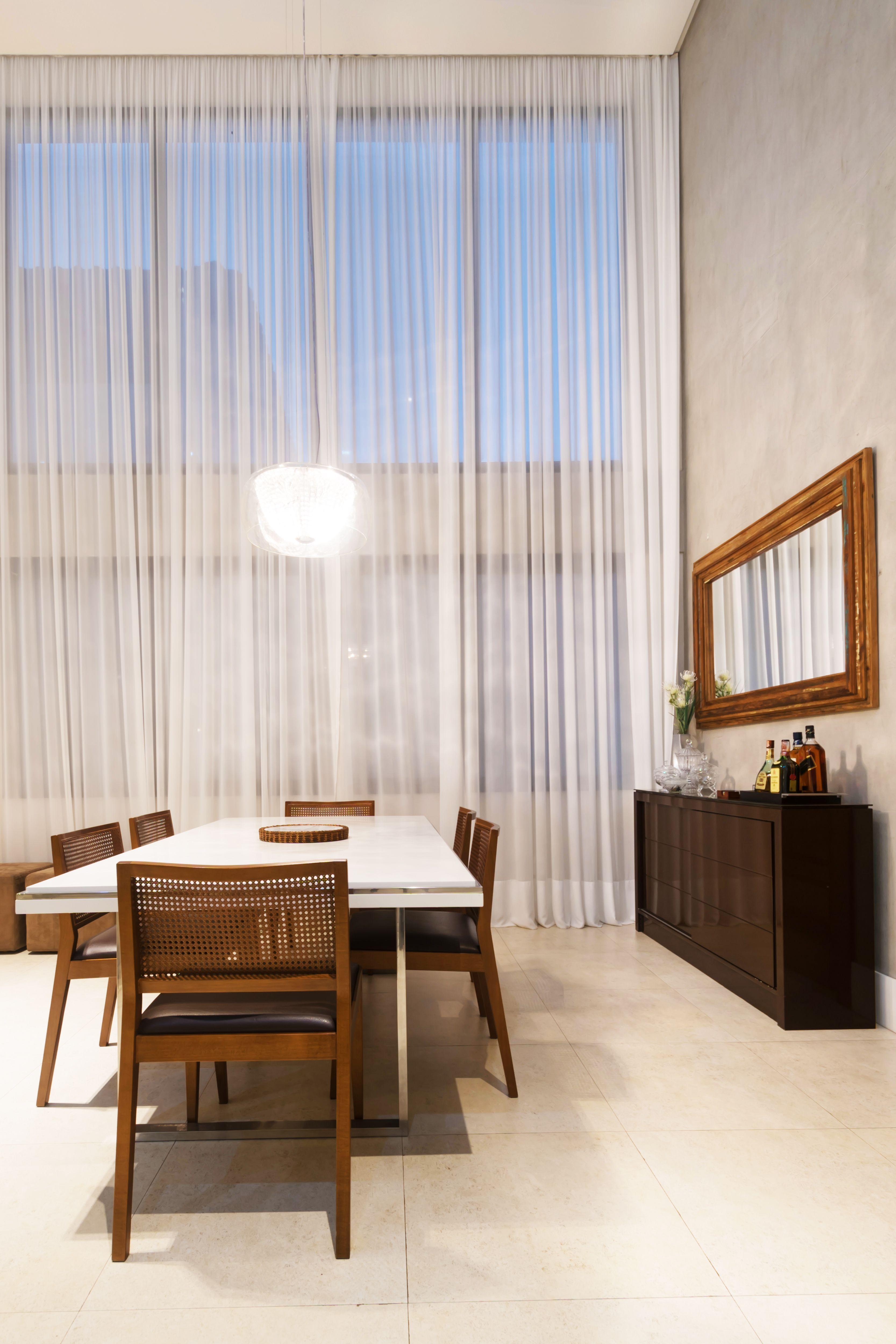 Sala Com Decora O Contempor Nea Localizada Na Praia Piso  -> Sala Com O Piso Porcelanato Polido Cinza