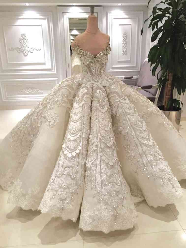 I don\'t think I\'d get a ball gown but this is gorgeous!! jacy kay ...