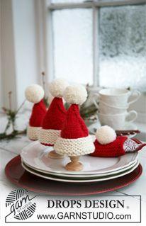 "Gestrickter DROPS Eierwärmer und Serviettenring in Weihnachtsrotem ""Alaska"". ~ DROPS Design #bonnets"