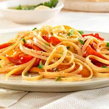 Linguine with Roasted Red Pepper Sauce