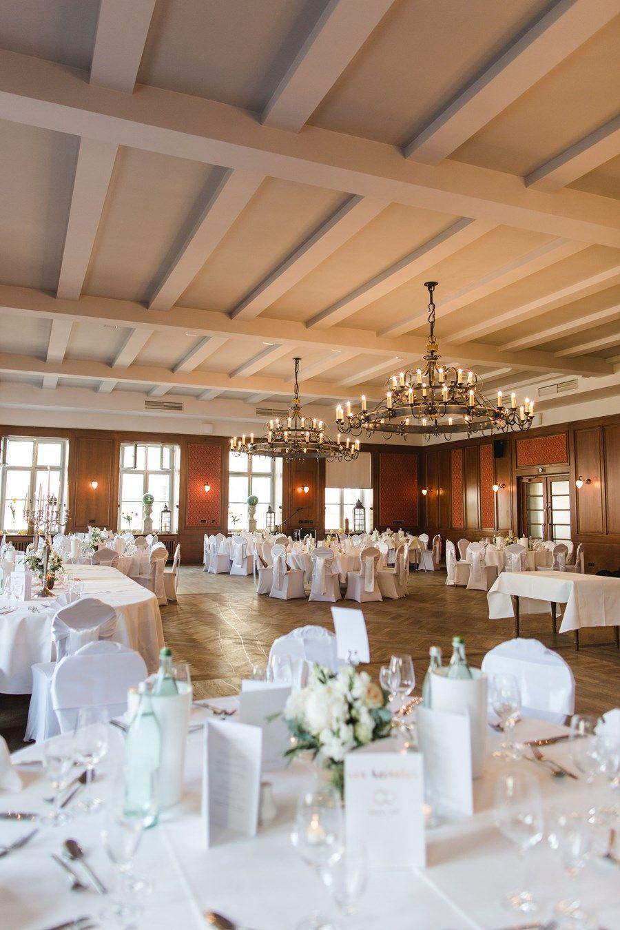 Hochzeits Locations In Und Um Munchen In 2020 Hochzeitslocation Hochzeit Location Scheunen Hochzeit