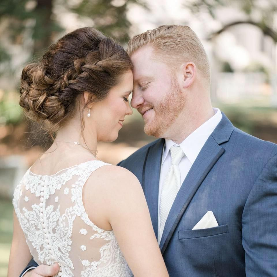 Simpson's Real Bride, Mrs. Lindsey Moreau Maddox, Wearing
