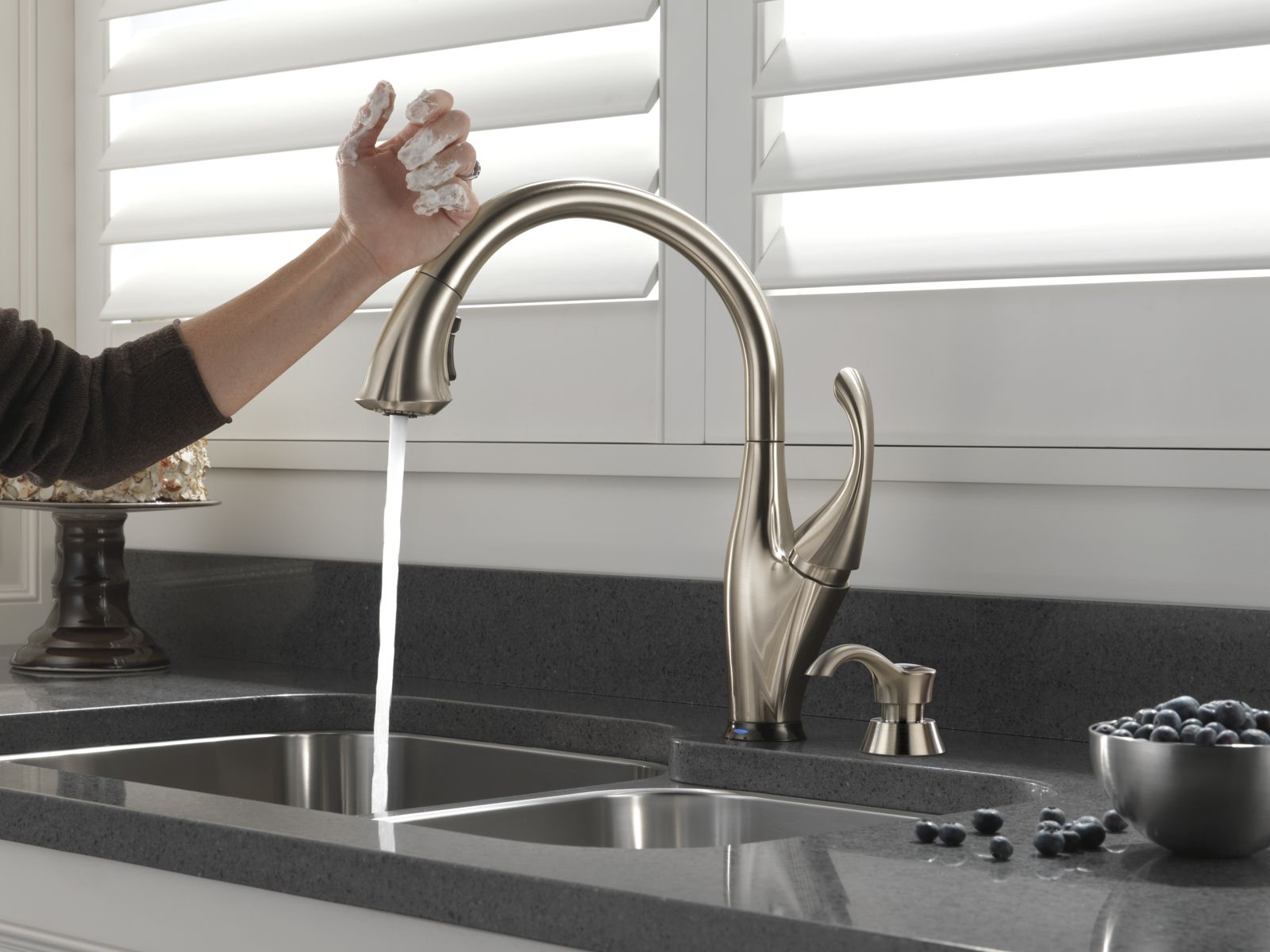 11 Times You Ll Wish You Had A Touch Faucet In Your Kitchen