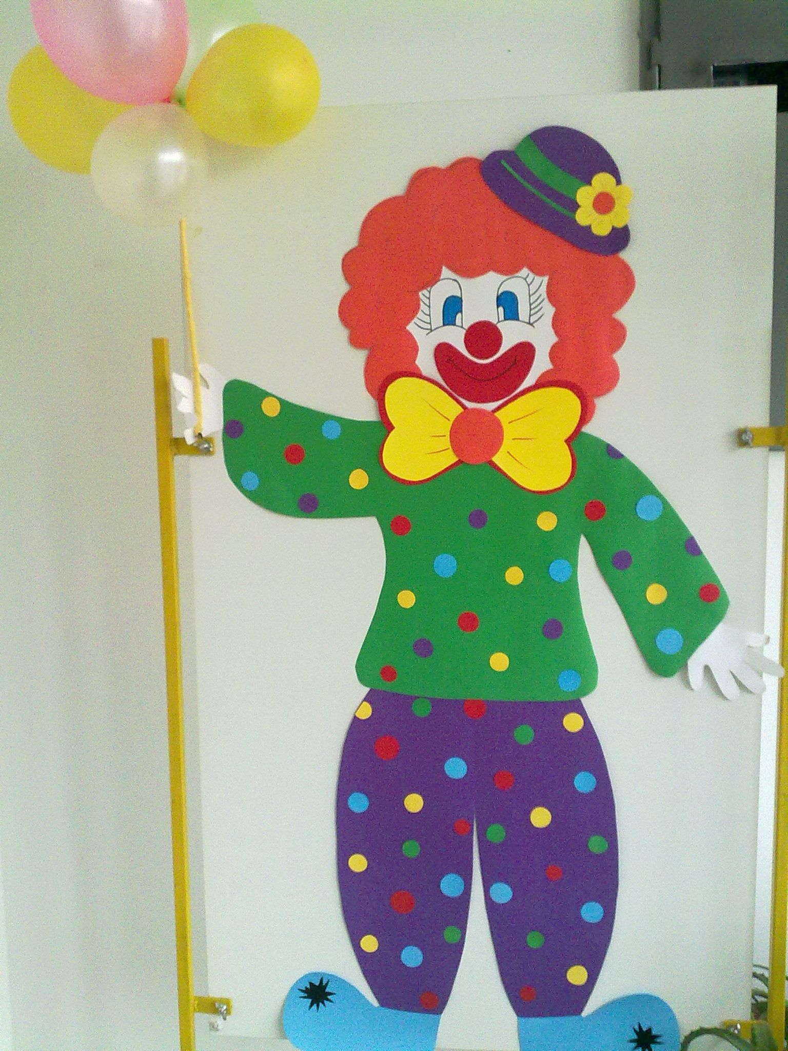 Colourful clown with balloons my school crafts for Clown dekoration