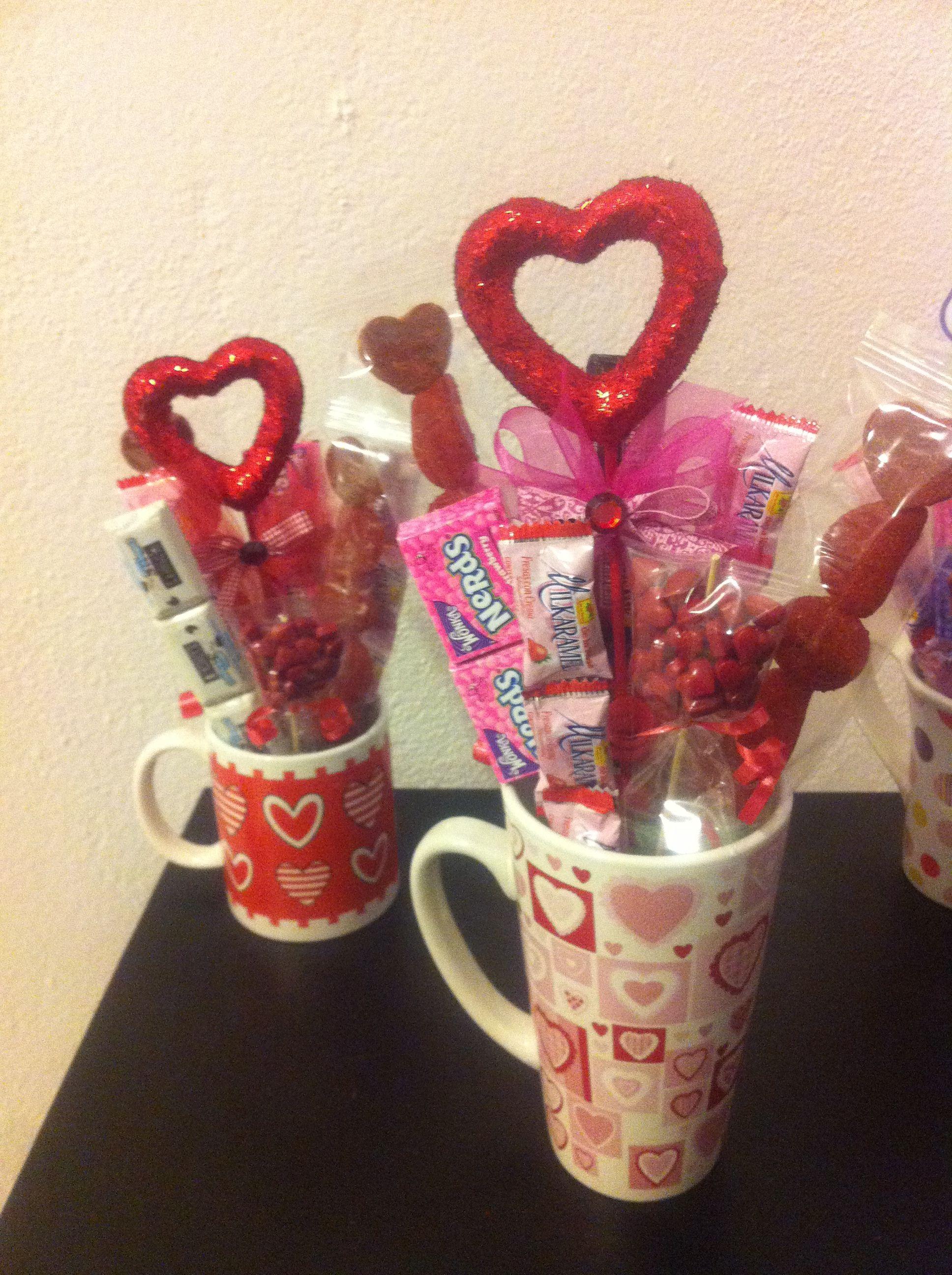 Tazas con goodies golosinas y chocolates hechas con mucho - Como decorar copas de cristal ...