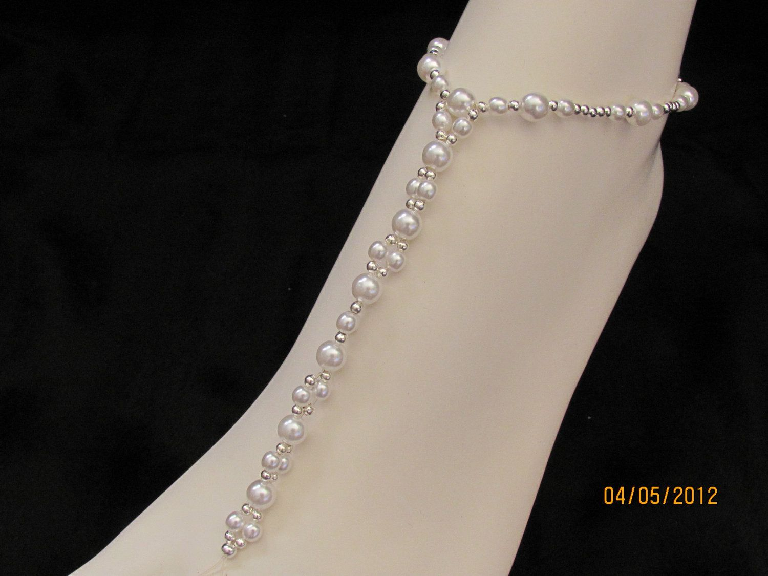 how to make foot jewelry for beach wedding White Pearl Bridal