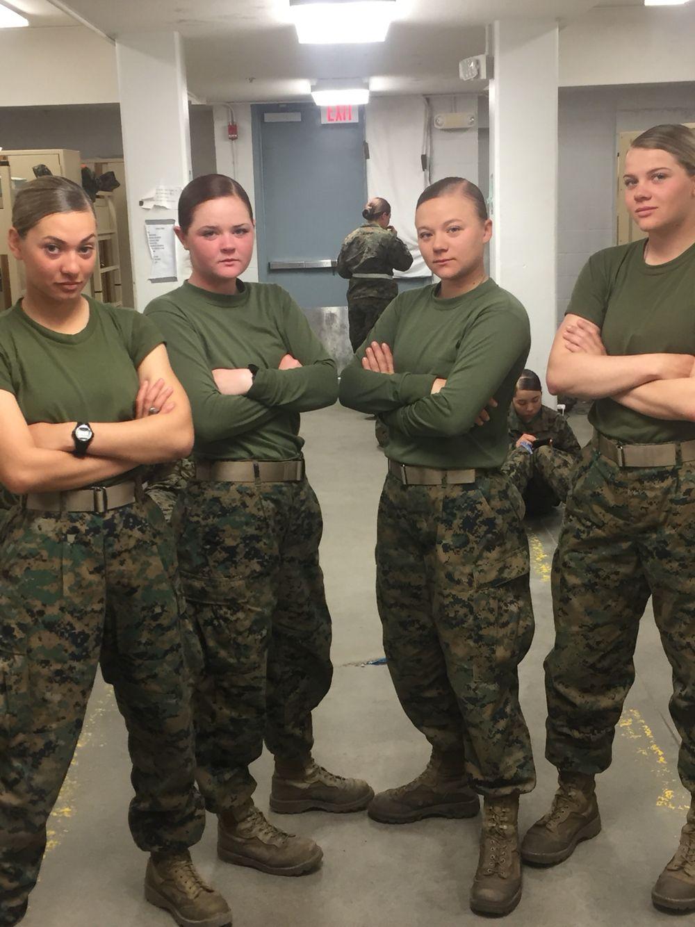 Female Marines Female Marines Military Women Army Women [ 1334 x 1000 Pixel ]
