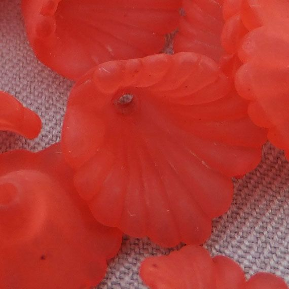 50 Lucite Flower Beads TRUMPET Calla Lily Bead by BeadCoNet, $2.95