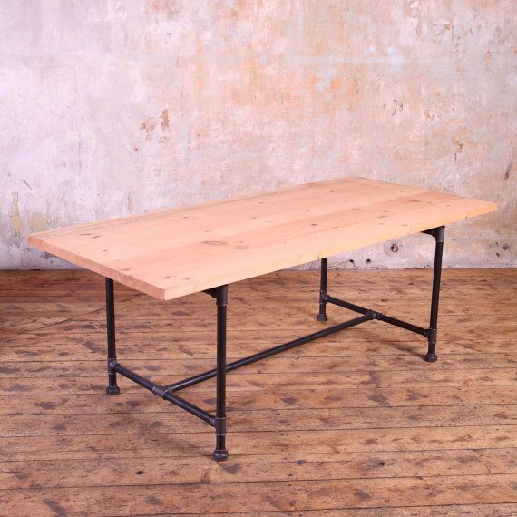 metal pipe legs industrial style dining table industrieller stil einfacher stil und ursprung. Black Bedroom Furniture Sets. Home Design Ideas