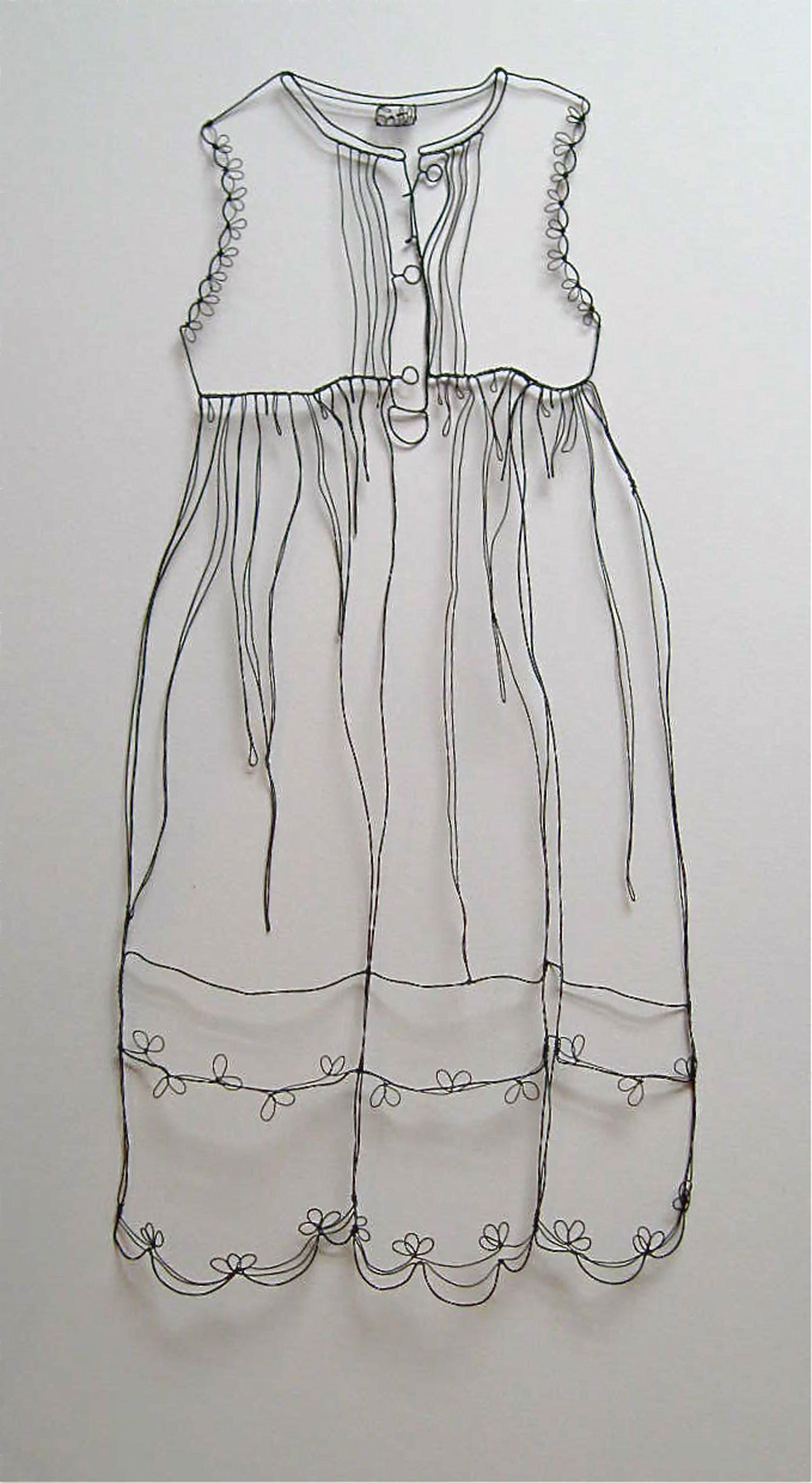 Wire Sculpture . Dåbskjole laved i metaltråd af Christina James Nielsen -kjolen hedder 'Faith' http://sculpturaldrawing.blogspot.dk/