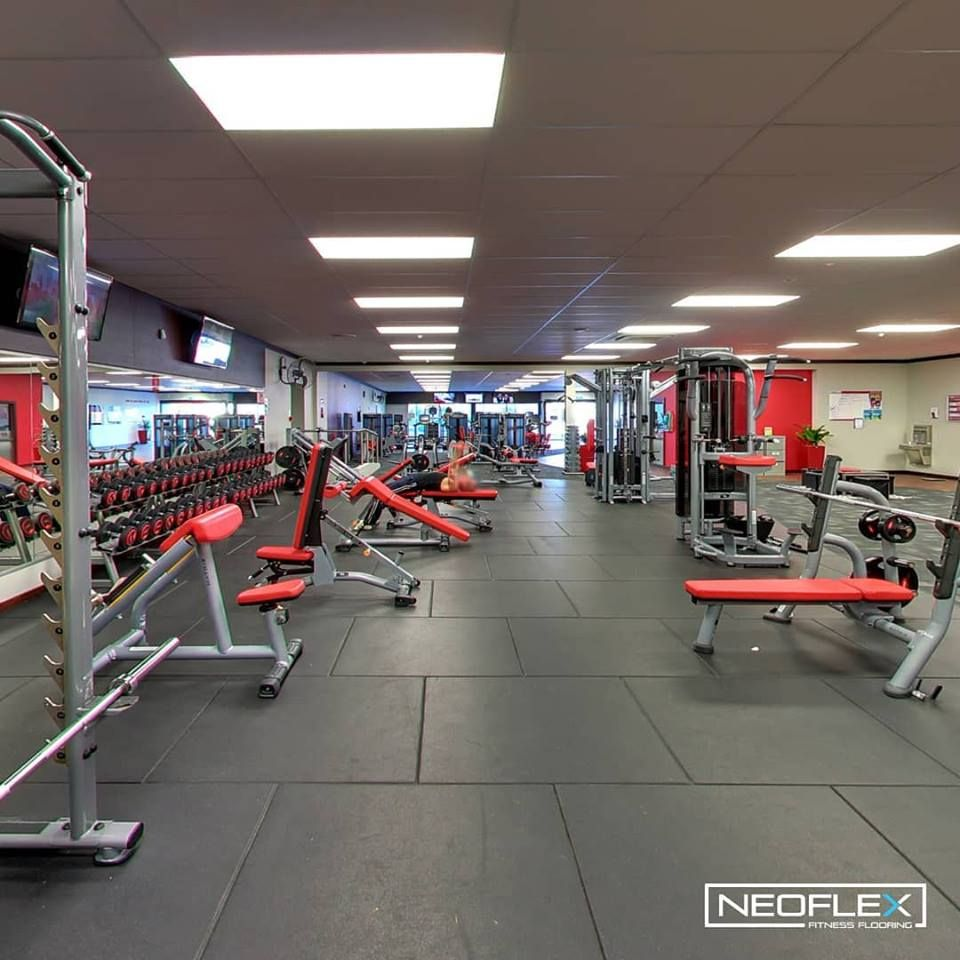 Neoflex Premium Gym Tiles At Snap Fitness Oamaru One Of 11 Recently Upgraded Snap Fitness New Zealan Gym Flooring Rubber Rubber Flooring Workout Room Flooring