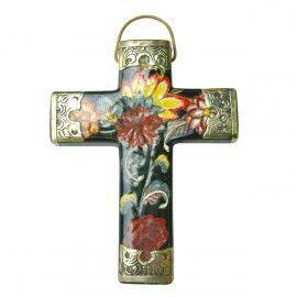Sacred Cross  strutliving.com.au