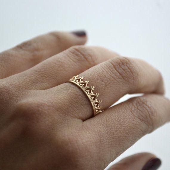 14 k solid gold Krone Ring. Hochzeitsband. von LUNATICART auf Etsy