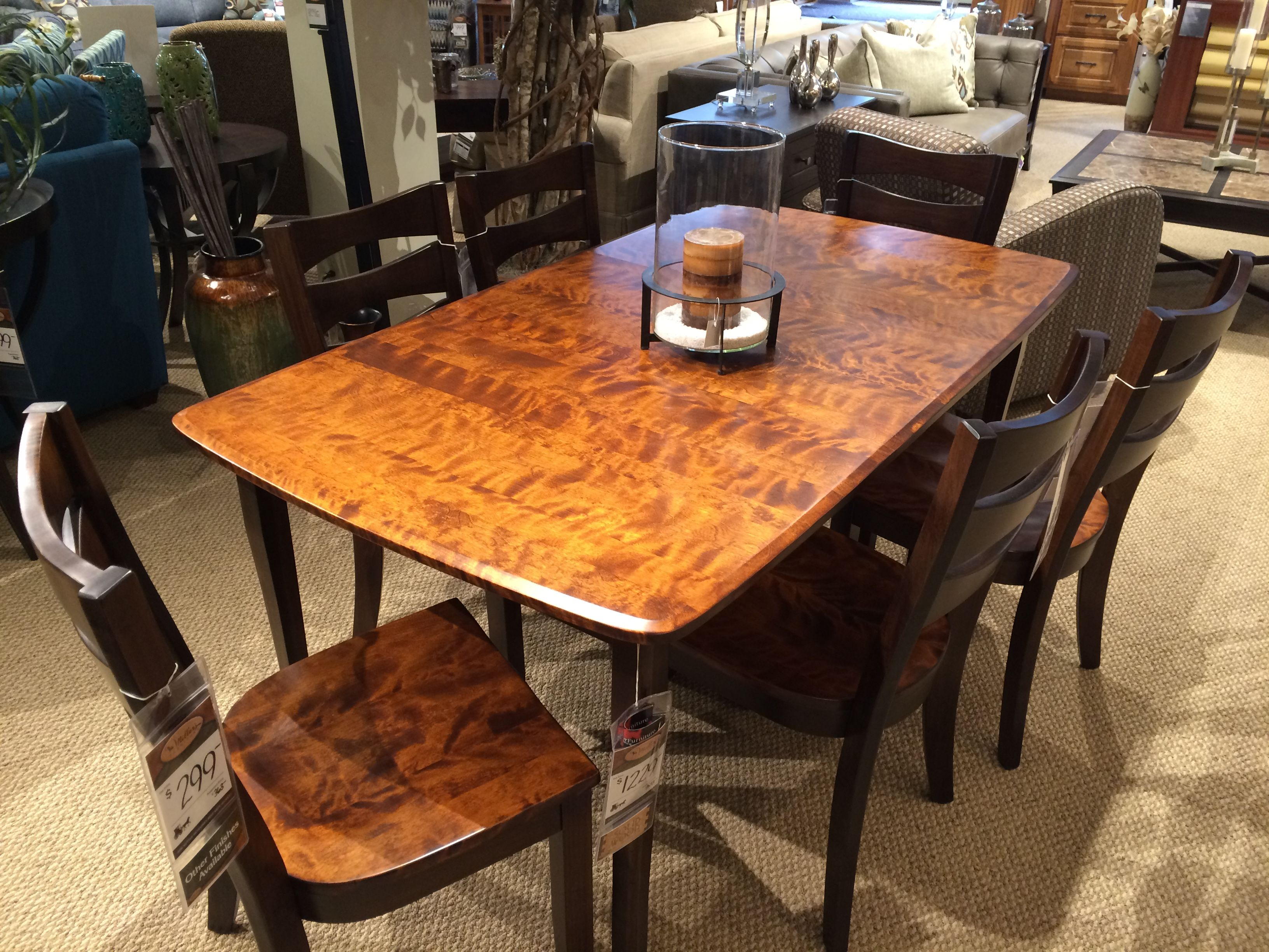 Gorgeous Amish Made, Flaming Birch And Maple, 2 Tone Dinning Room Set!