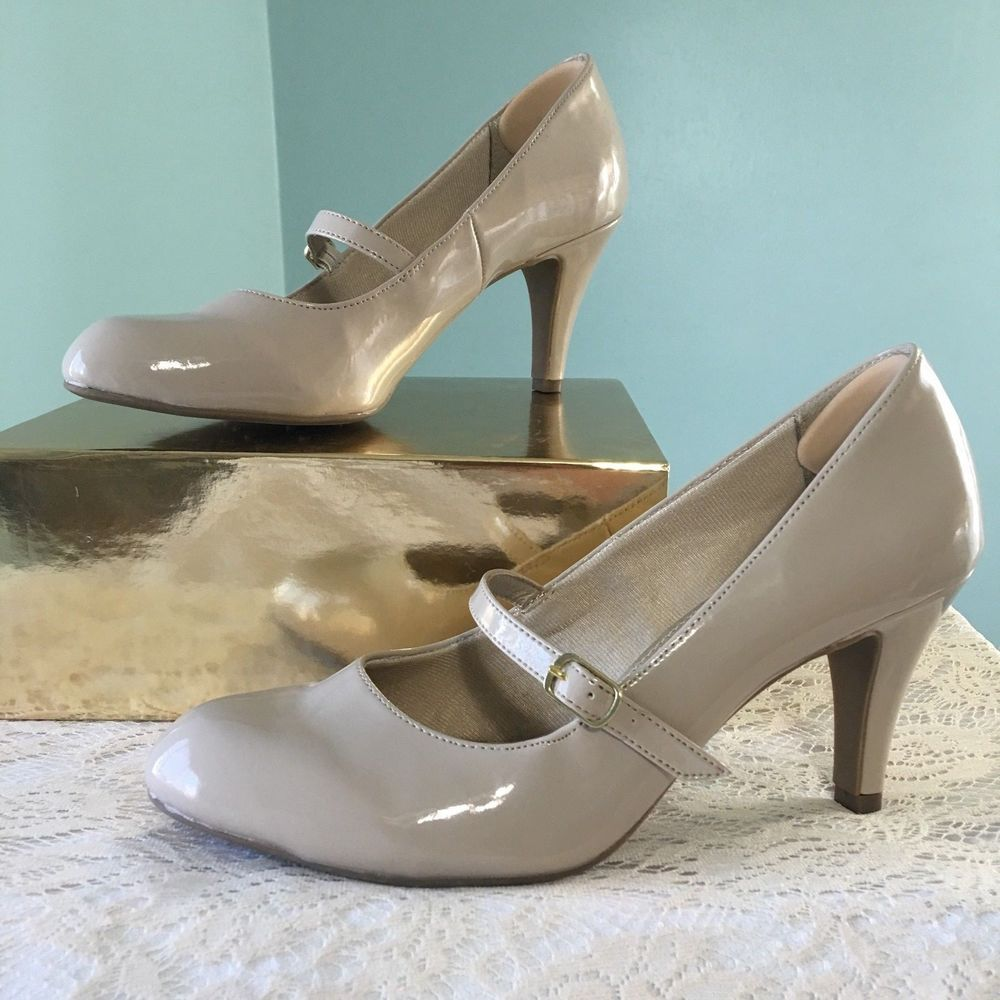 ed7782c0708 Mary Jane Nude Heels Women Size 9.5 EU 40 Patent Leather Life Stride Soft  System  LifeStride  MaryJanes  Casual