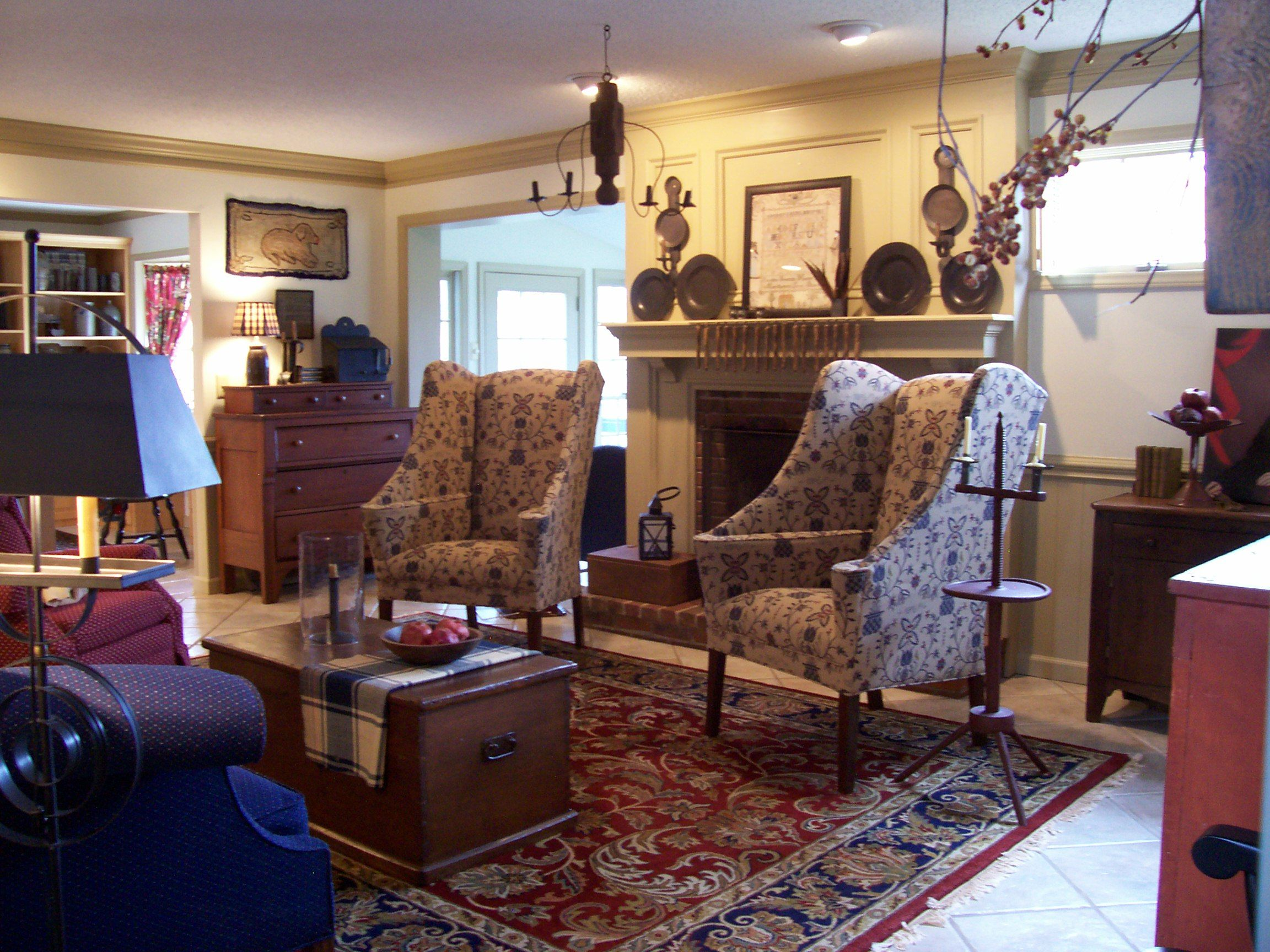 Primitivestitcher-s-Photo-Gallery | Colonial living room ...