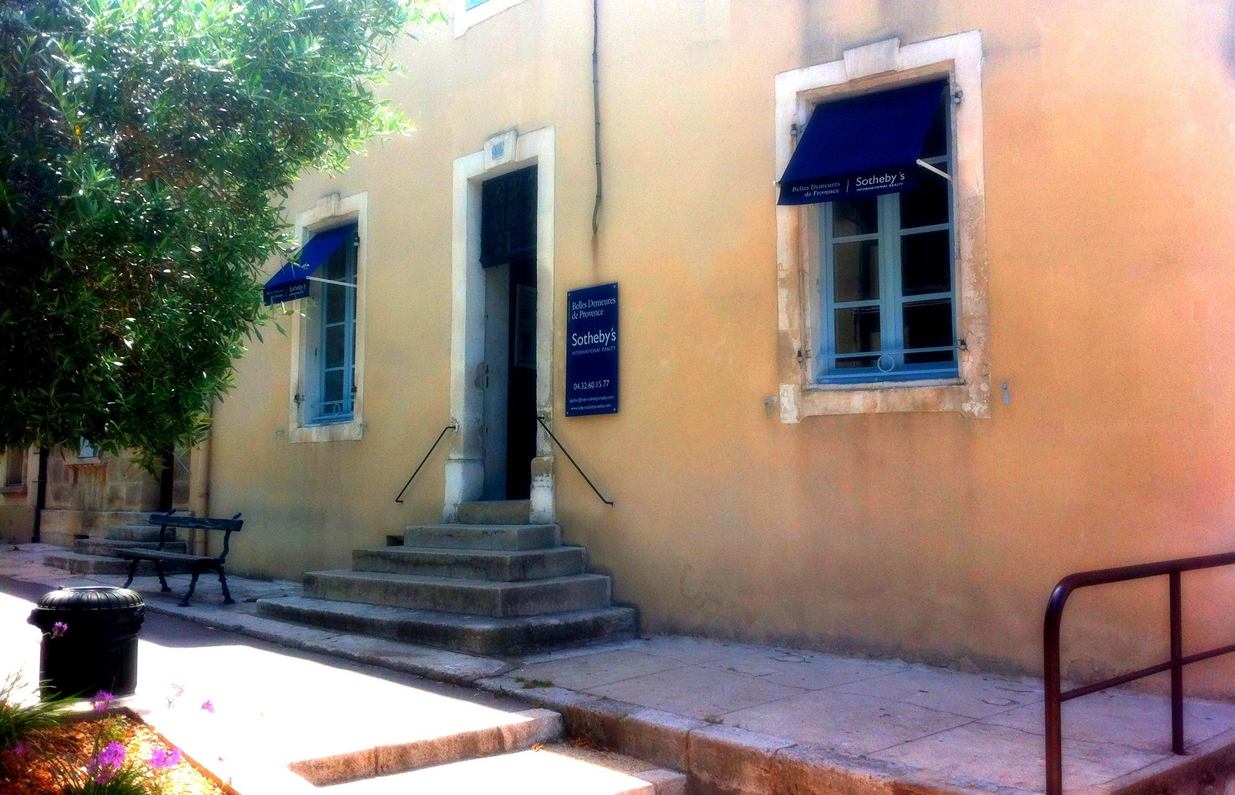 The New Alpilles Sotheby S International Realty Agency Saint Remy De Provence Sothebys International Realty Realty