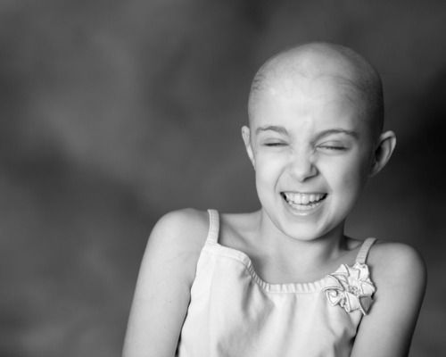 LIKE- if you think she's beautiful ♥ even with cancer. keep scrolling if not..