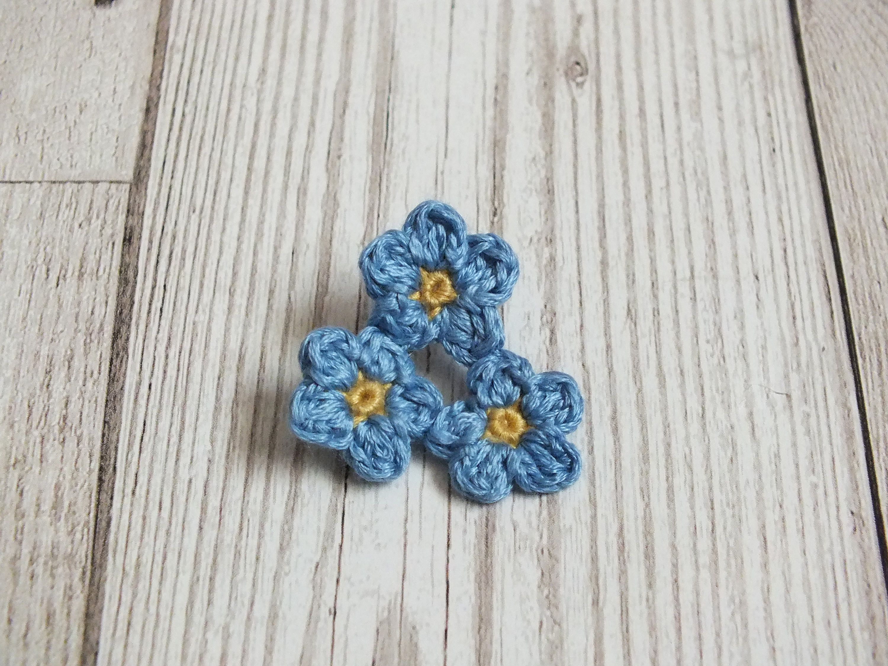 crocheted brooch flower embellishments pinterest pin flowers crochet tutorial