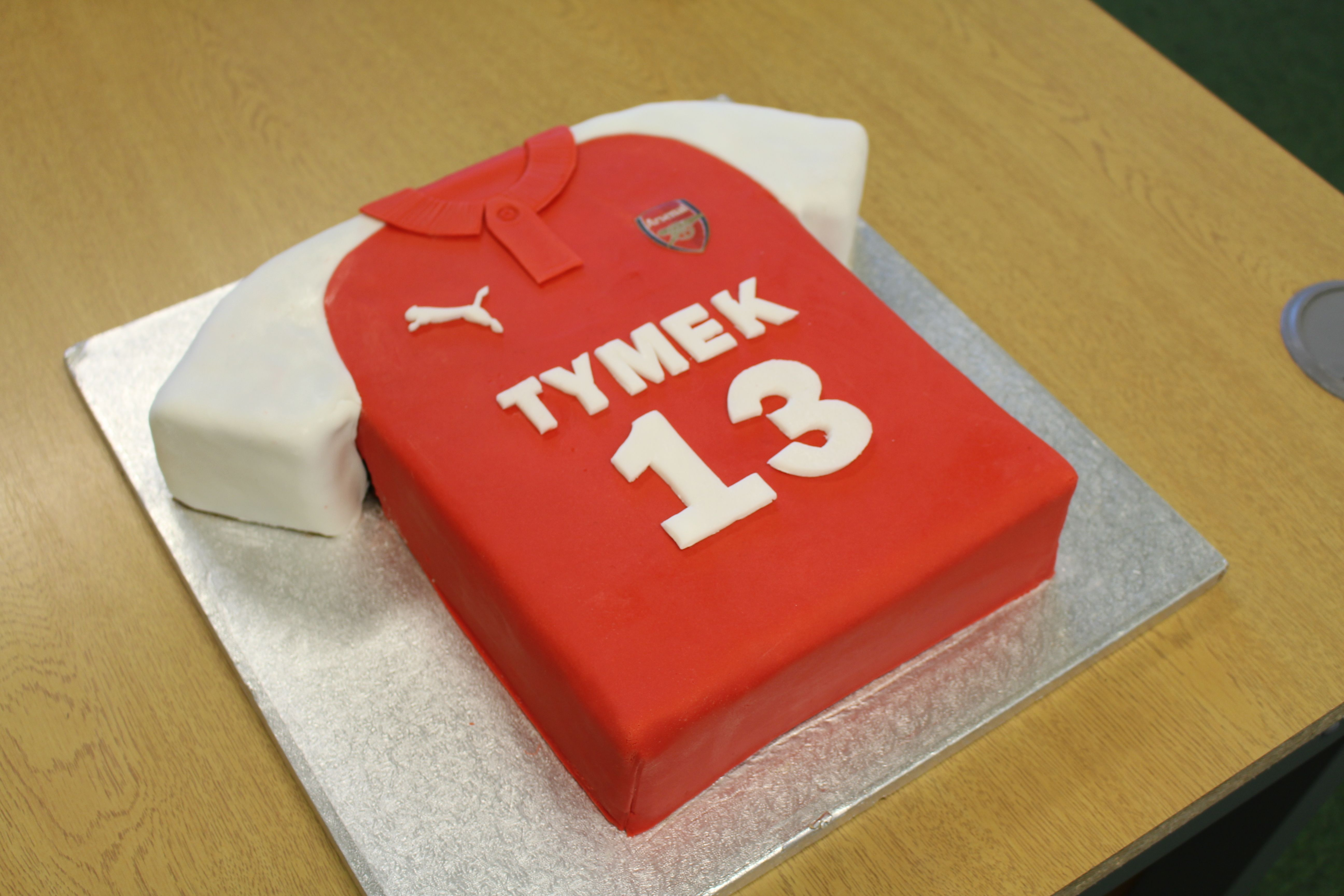 Arsenal Football Cake My Cakes And Party Stuff Pinterest
