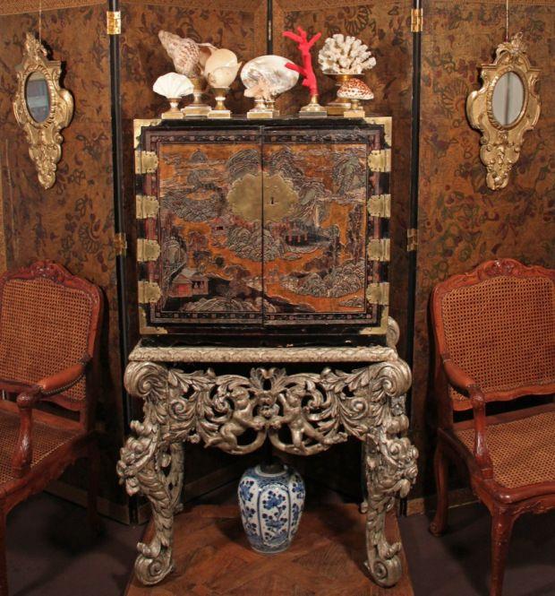 Ambiance cabinet de curiosité,  exposition Galerie Pellat de Villedon