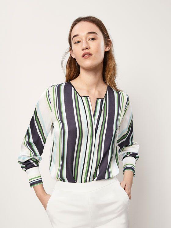 4c975ec13b BLUSA RAYAS DETALLES RASO de MUJER - Camisas y Blusas - Camisas Estampadas  de Massimo Dutti de Primavera Verano 2018 por 49.95. ¡Elegancia natural!