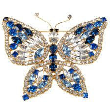 pins and brooches -