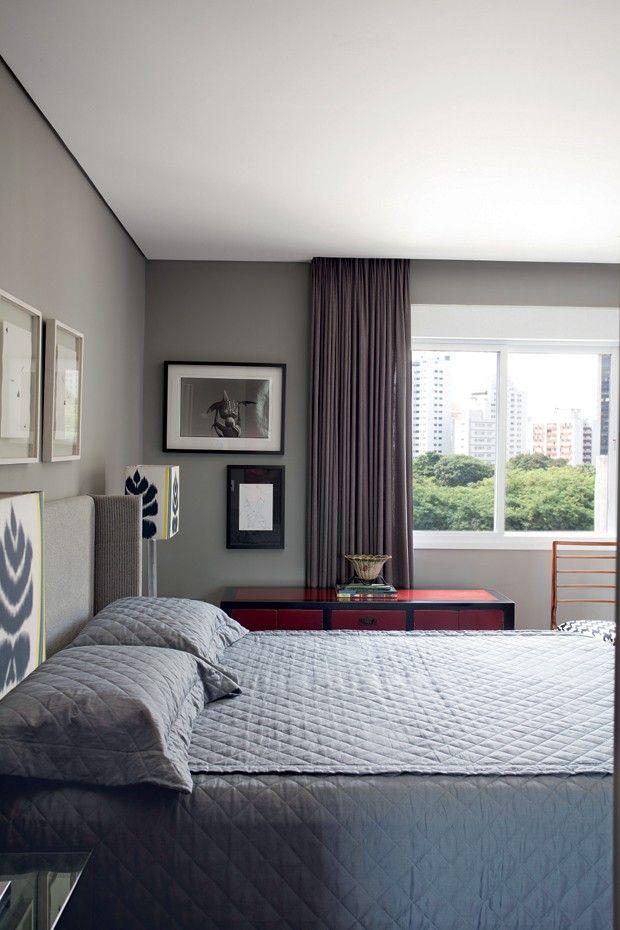 Tons de cinza modernizam o apartamento dos anos 1970 for Zapatillas paredes anos 90