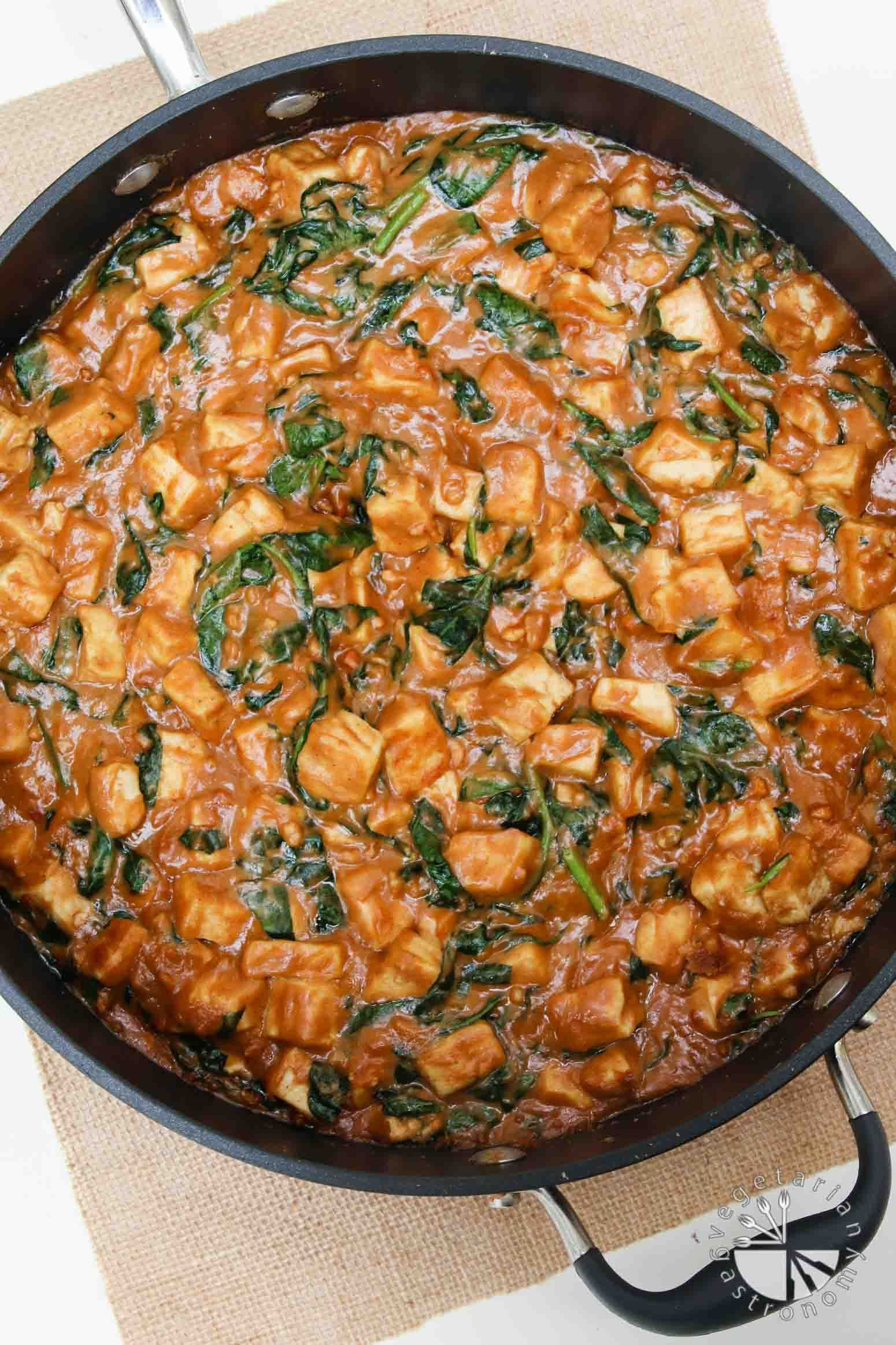 Pra Ram Tofu (Easy Thai Peanut Sauce) - Vegetarian