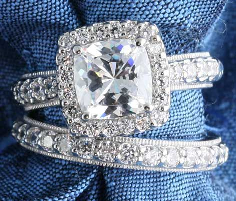 If you haven't noticed, I have an obsession with diamond rings.