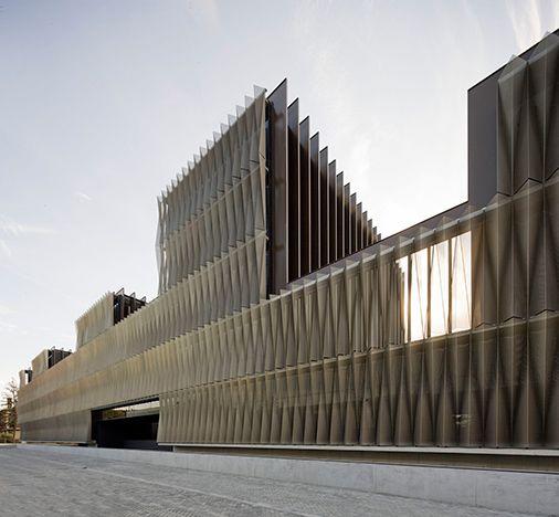 Folding of perforated metal panels celosia met lica chapa - Chapa metalica ondulada ...