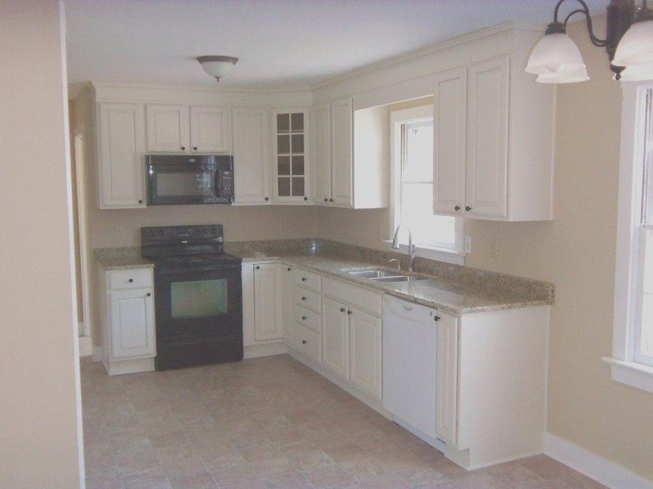 10 X 10 L Shape Kitchens With White Cabinets Google L Shape Kitchen Layout Kitchen Design Small Kitchen Layout