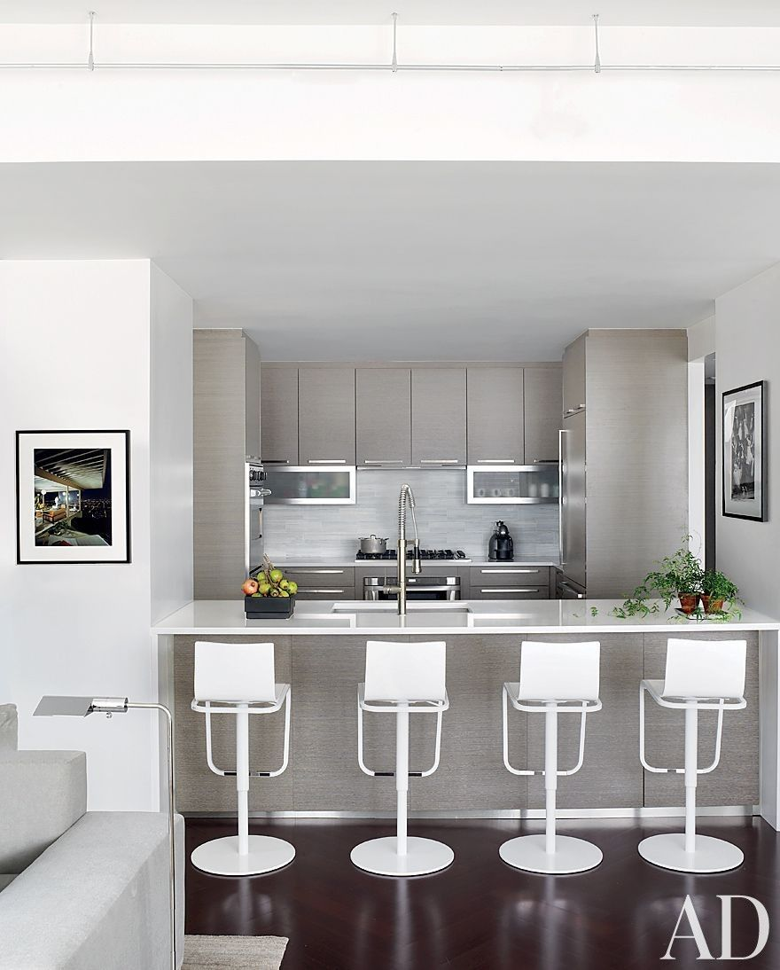 Modern Kitchen By Vicente Wolf Associates Inc. In New York