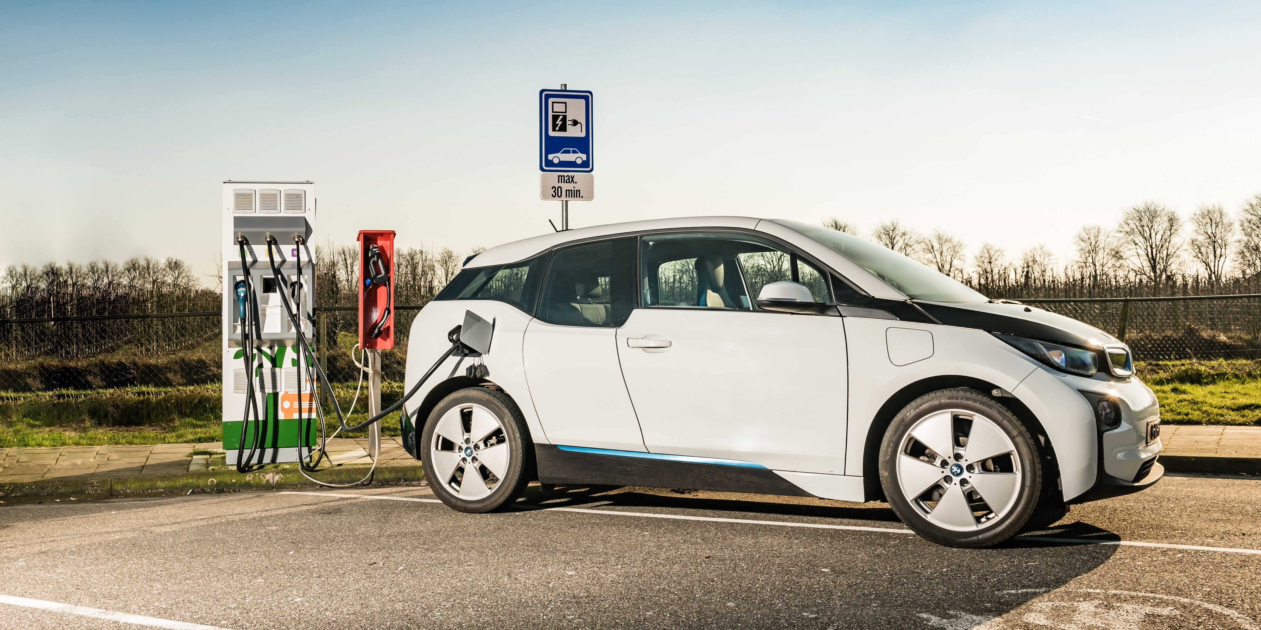 Shell To Start Deploying Fast Charging Ev Stations With Allego At Its Gas Http