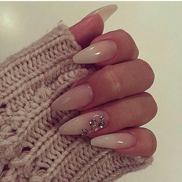 21 Elegant Nail Designs for Short Nails | Accent nail