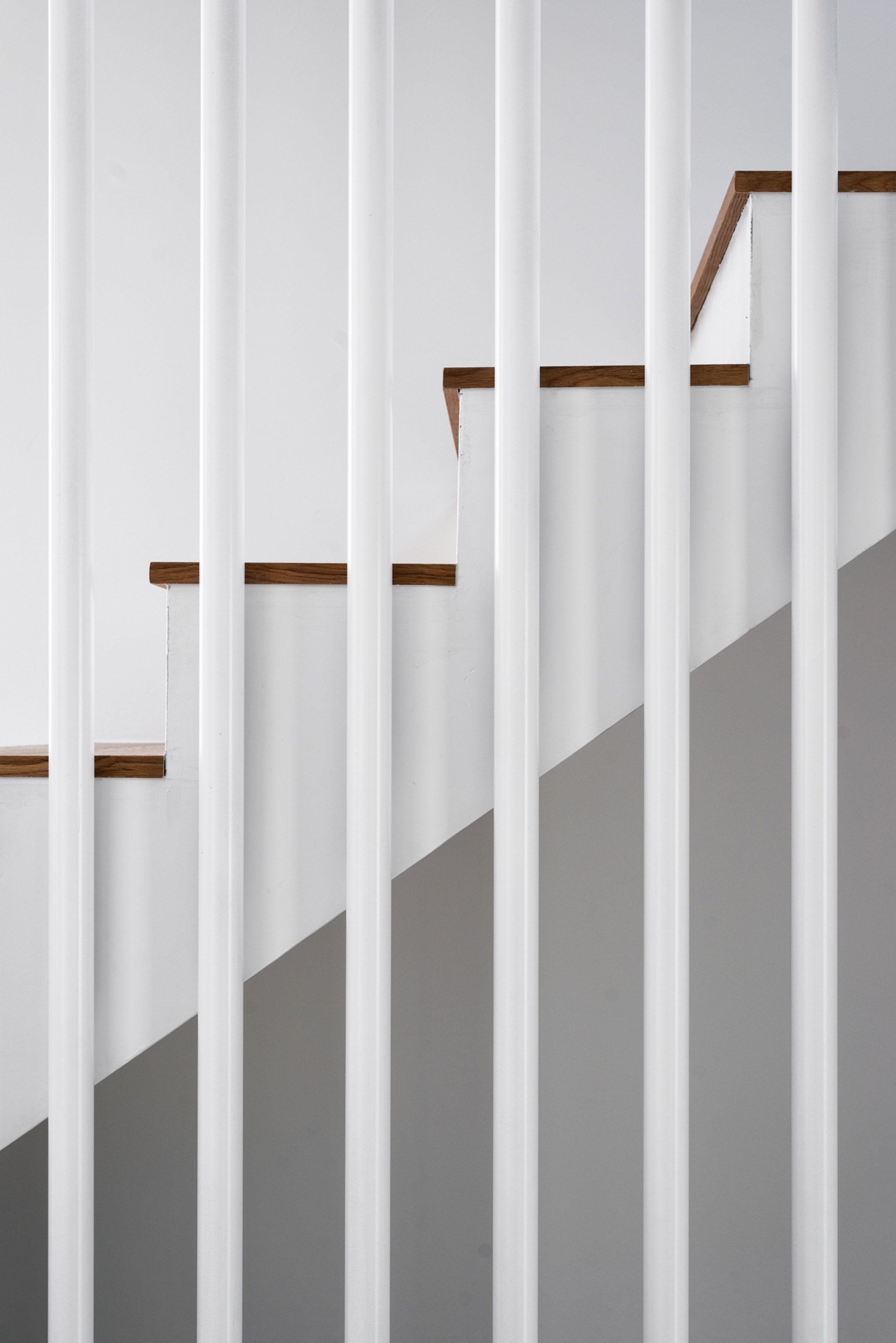 //.dezeen.com/2018/03/14/stocker-lee-architetti-architecture-house -apartments-eiger-monch-junfrau-rancate-switzerland-alps/?utm_medium\u003d ... & https://www.dezeen.com/2018/03/14/stocker-lee-architetti ...