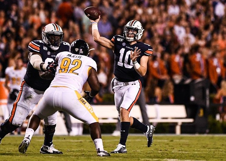 Bo Nix Football Vs Kent State On Saturday Sept 14 2019 In