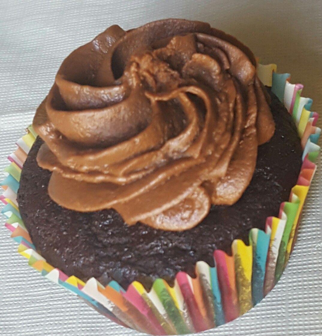 Glutenfree sugarfree cupcakes with sugarfree frosting