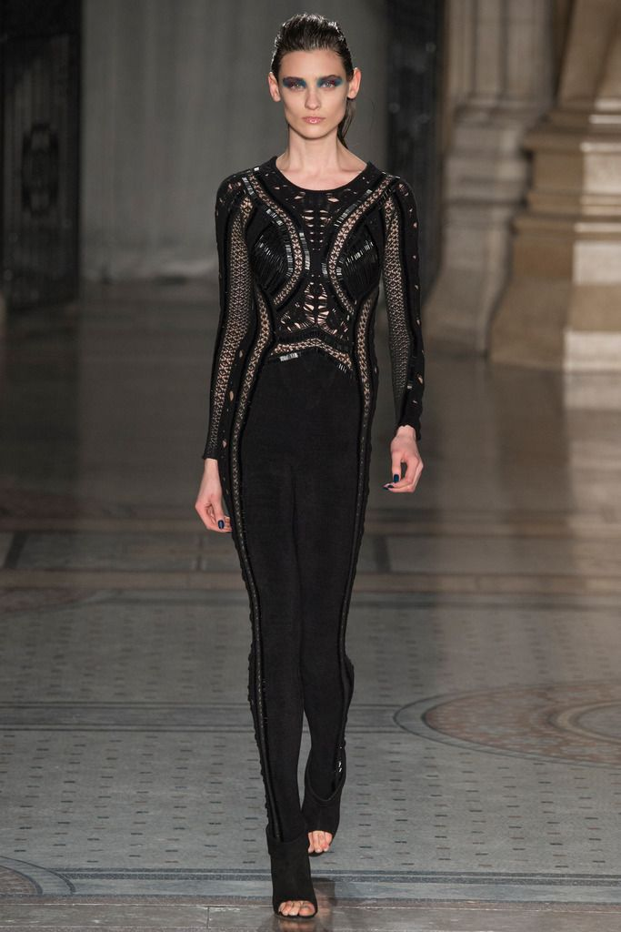 Julien Macdonald | Fall 2014 Ready-to-Wear Collection | Style.com