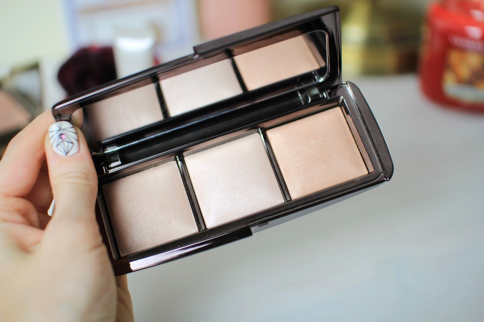 The Hourgl Ambient Lighting Palette Dim Infusion Blush