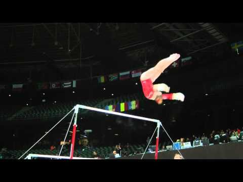 McKayla Maroney - Uneven Bars - 2013 World Championships - Qualification - Her bars have improved so much in the last year!