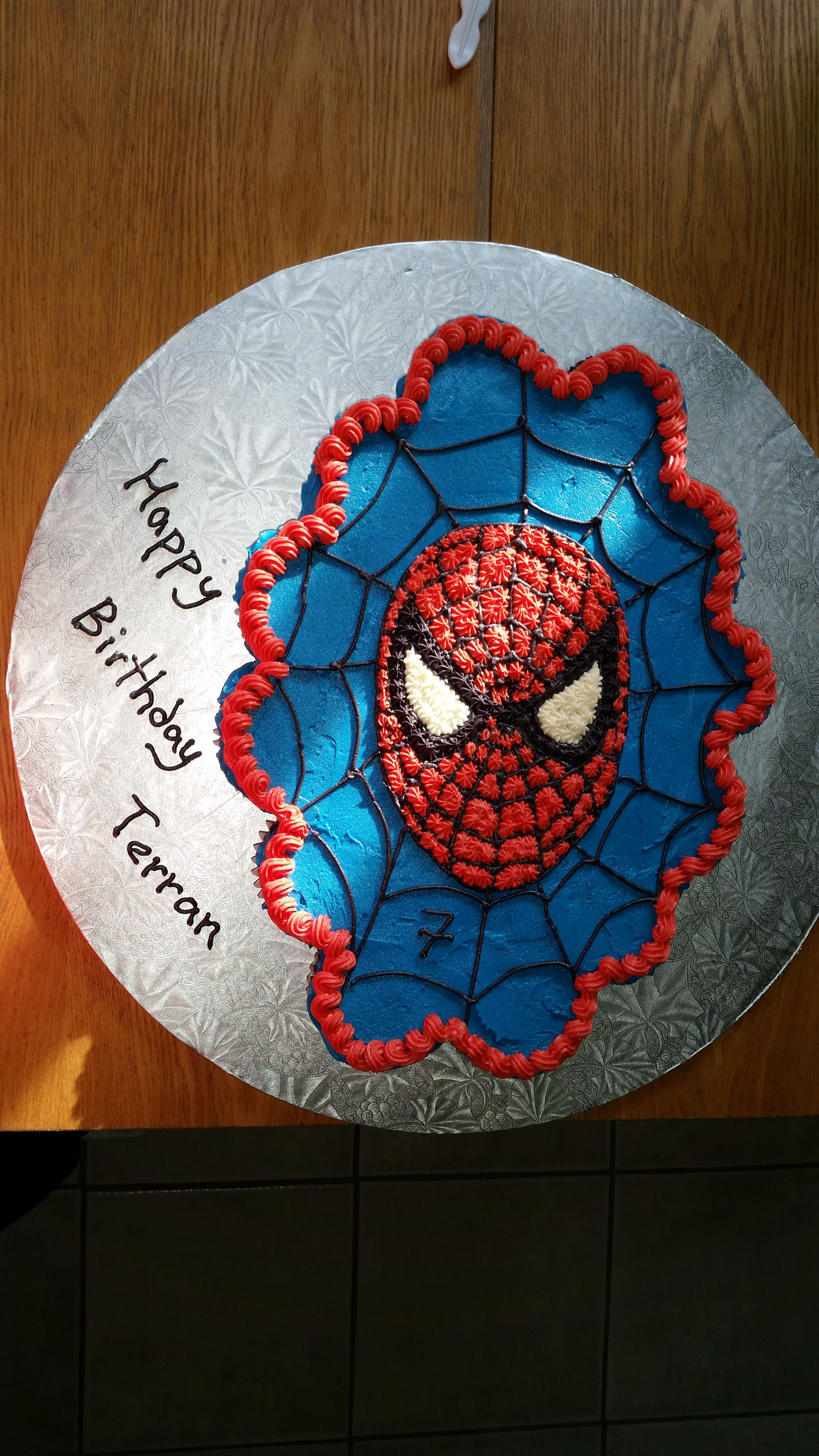 Spiderman Cupcake Cake In 2019 Spiderman Birthday Cake