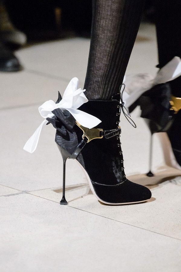 Paris Fashion Week The Amazing Details AW17 by Miu Miu {Cool Chic Style Fashion}